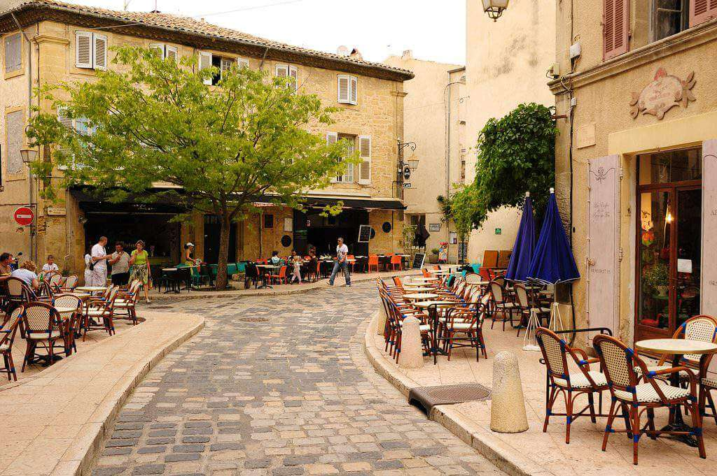 Places to Stay in Provence Lourmarin-Kids Are A Trip
