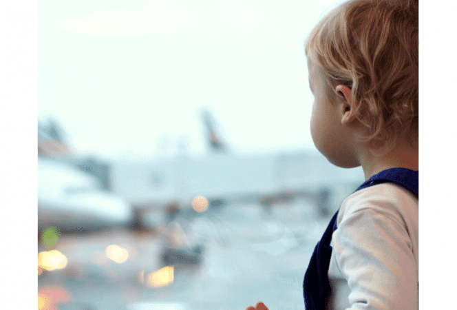 How to Survive Holiday Travel with Kids on a Plane