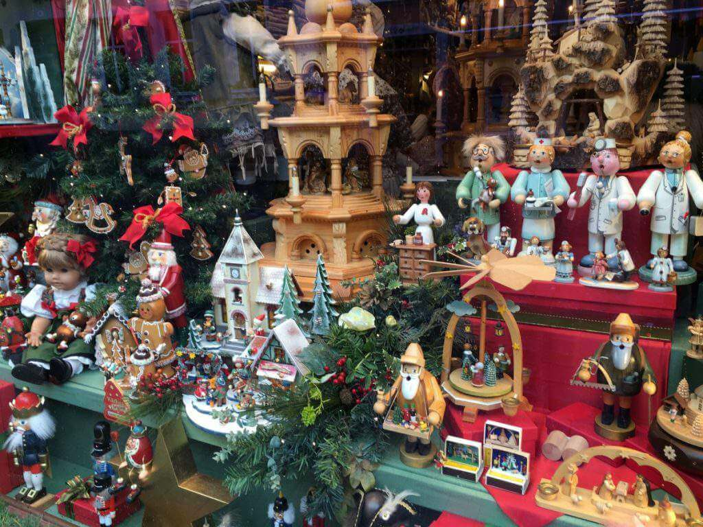 christmas markets in germany kids rothenburg decorations-Kids are a trip