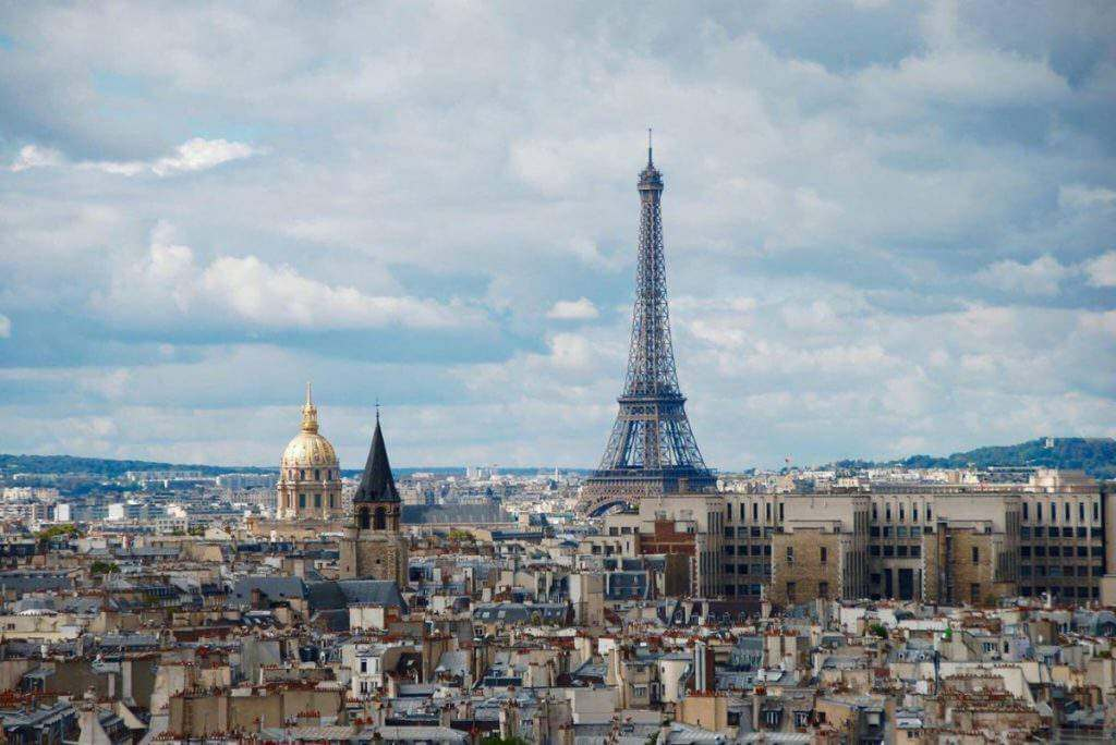 Cheap family hotels near eiffel tower paris for Hotels around eiffel tower