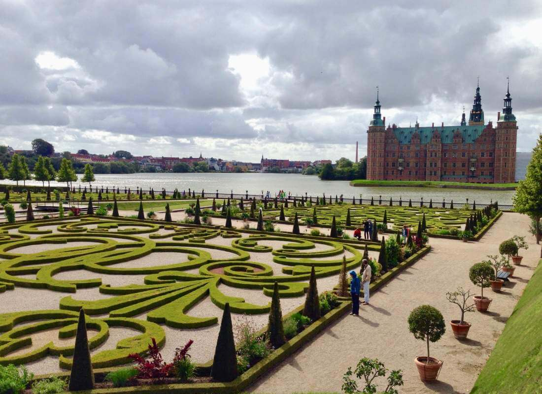 Best Things to Do in Scandinavia and Baltics with Kids Fredriksborg Slot-Kids Are A Trip