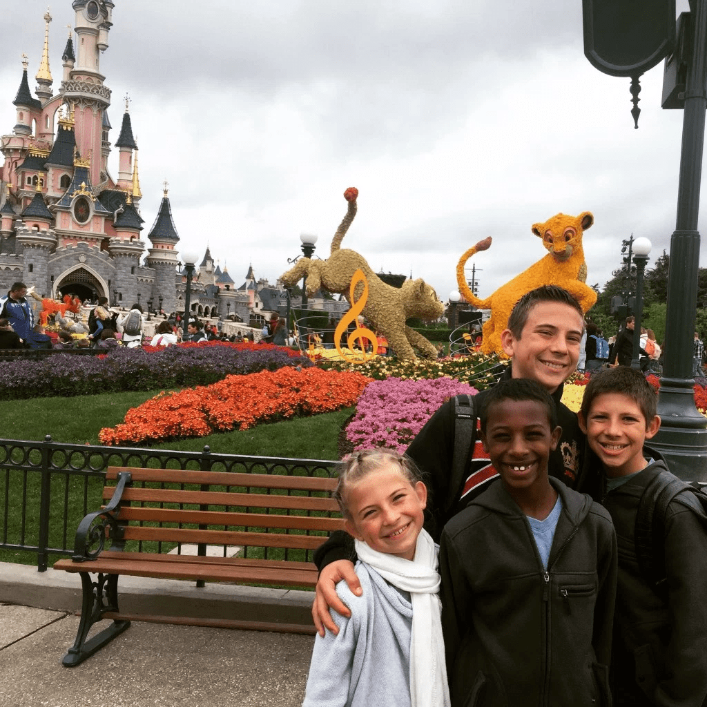 Best Places to Stay in Paris Near Disney Global Munchkins at Disneyland Paris-Kids Are A Trip