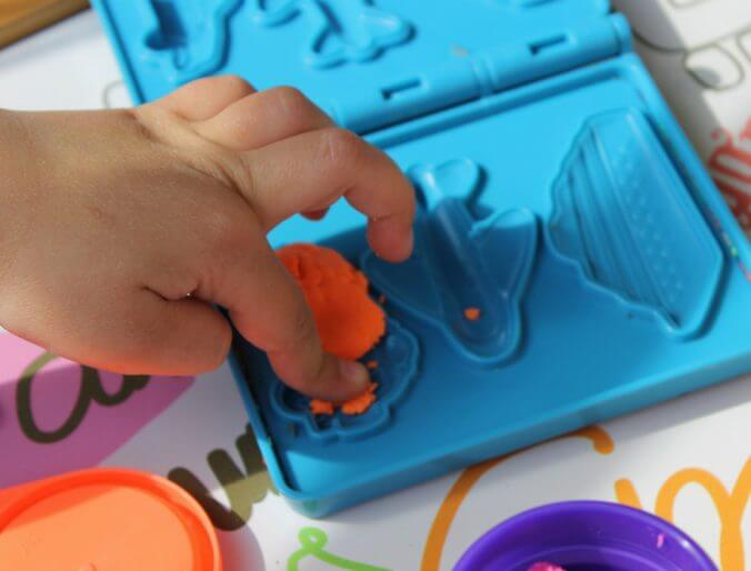 25 Toys and Games to Entertain Kids on Planes