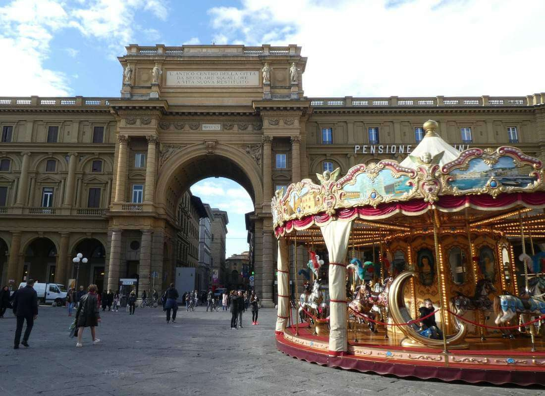 Carousel Piazza della Repubblica Visiting Florence with Kids-Kids Are A Trip