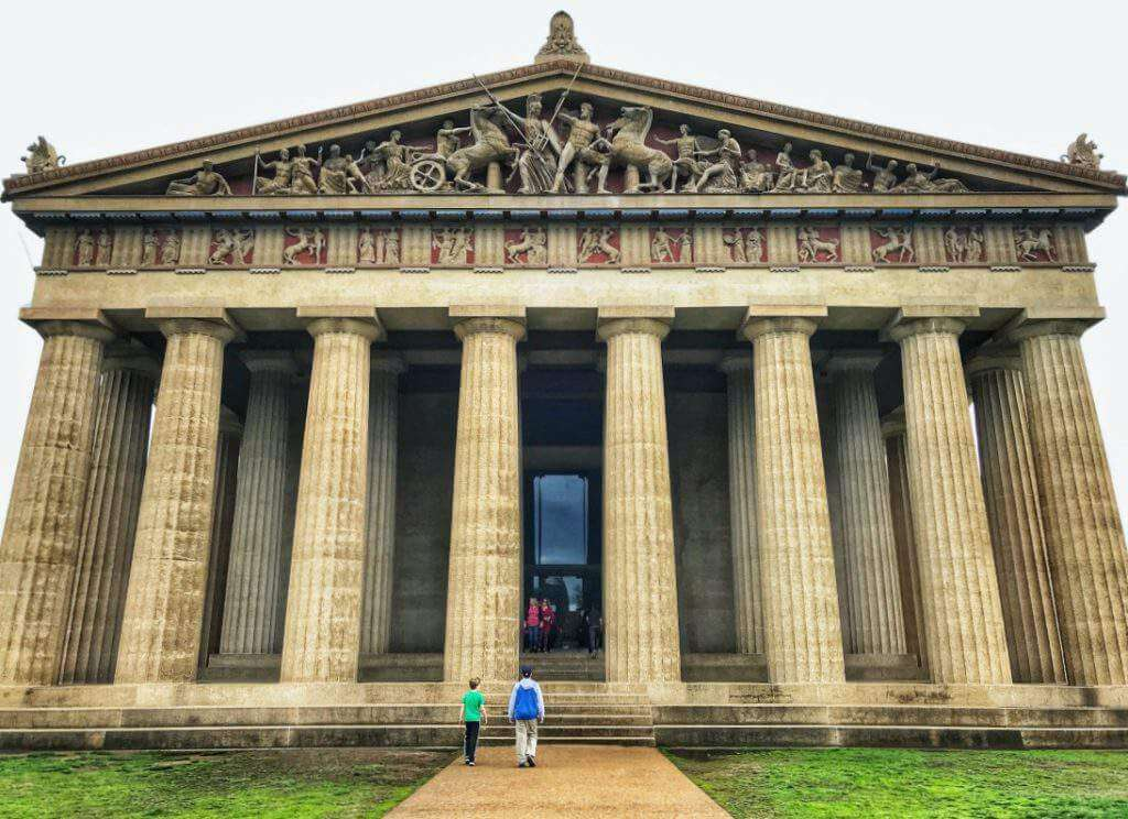 Nashville is known for honky tonk bars, amazing food, and country music, but it's also perfect for families. Here's some fun things to do in Nashville with kids on your next viist. - Kids Are A Trip