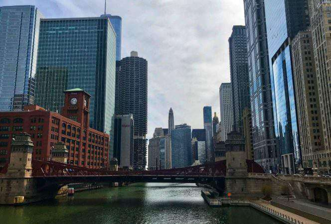Chicago is an amazing destination, that can often be pricey. Here are our favorite free things to do in Chicago with kids to help plan your trip and put money back in your pocket. - Kids Are A Trip