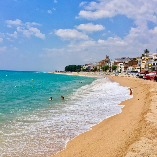 Family Friendly Mediterranean Beaches in France and Spain