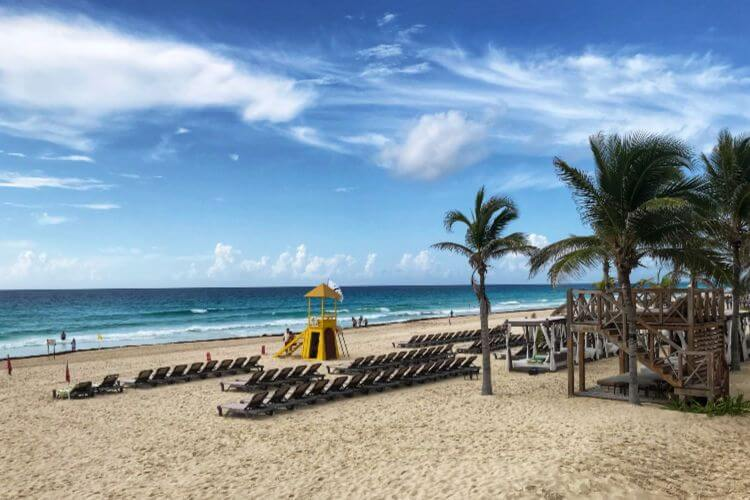 Hyatt-Zilara-Cancun-Beach-Kids-Are-A-Trip