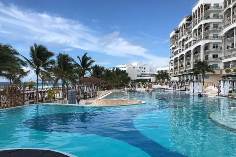 Swimming-Pool-Hyatt-Zilara-Cancun-Kids-Are-A-Trip