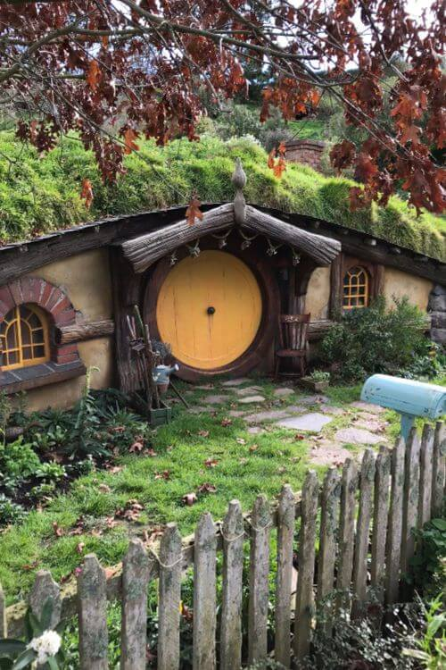 How-to-Visit-Hobbiton-Kids-Are-A-Trip