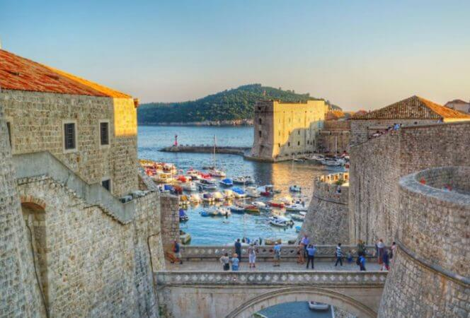 There are many Game of Thrones Croatia scenes that shouldn't be missed. We're sharing our favorite GoT places in Dubrovnik, Split, Trogir, and Klis. There's also a map of Game of Thrones locations to help you plan your visit. - Kids Are A Trip