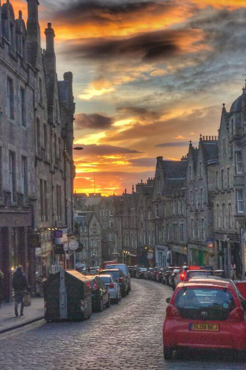 Edinburgh-Royal-Mile-Sunset-Kids-Are-A-Trip