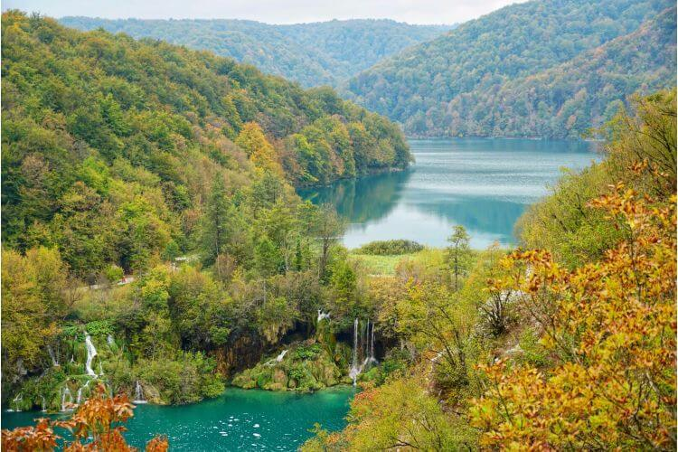 Plitvice-National-Park-Croatia-autumn-Kids-Are-A-Trip