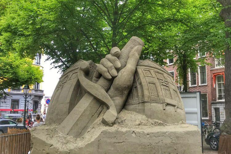 Sand-Sculpture-The-Hague-Netherlands-Kids-Are-A-Trip