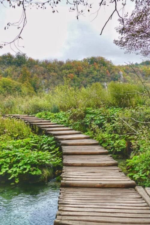 Walking-Bridge-Plitvice-National-Park-Kids-Are-A-Trip