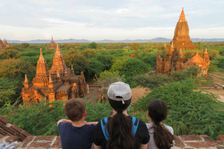 Bagan with kids temples