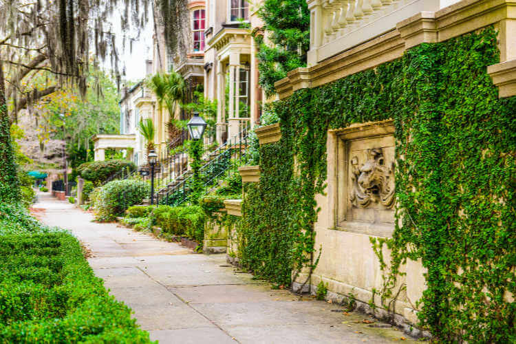 Historic-Homes-Savannah-Georgia-Kids Are A Trip