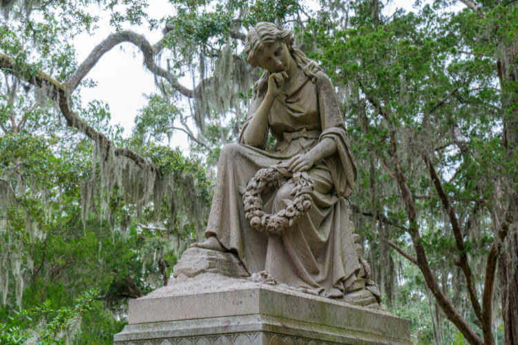 Savannah ghost tour Bonaventure Cemetery-Kids Are A Trip