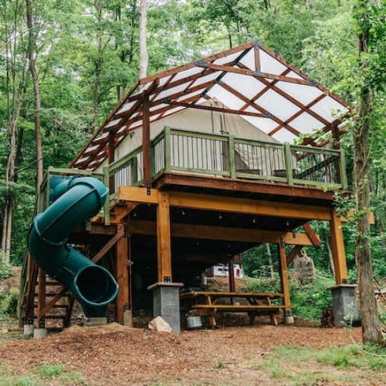 Awesome Treehouse Rentals to Book in Fall
