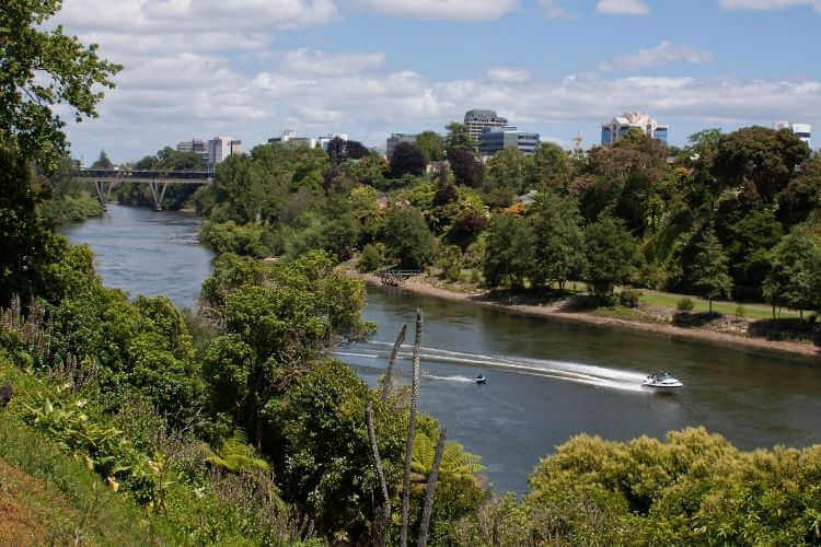 Speed boat Waikato river-Kids Are A Trip