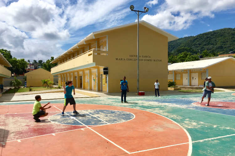 Volunteer vacation with kids Dominican Republic-Kids Are A Trip