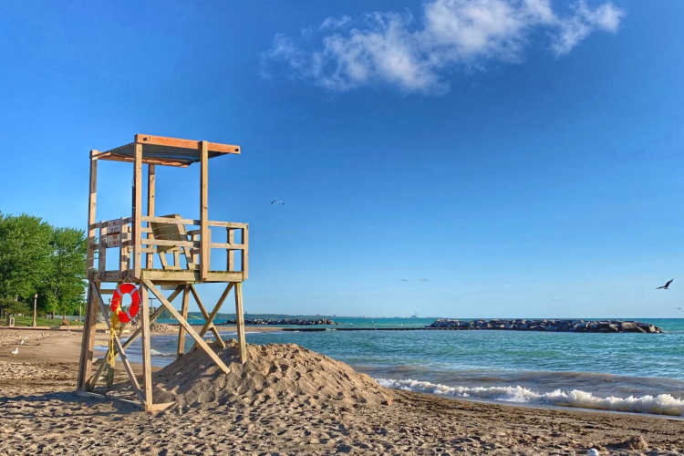 Lake Forest Lifeguard stand
