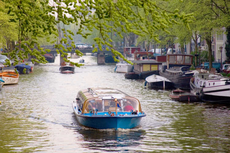 Amsterdam boat tour-Kids Are A Trip